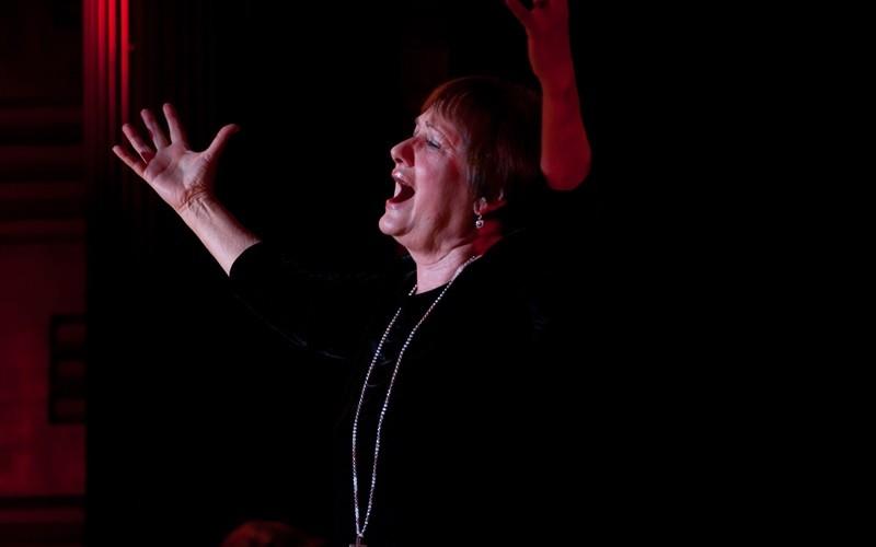 Ma este: Vári Éva Rose című monodrámája a Kamaraszínházban