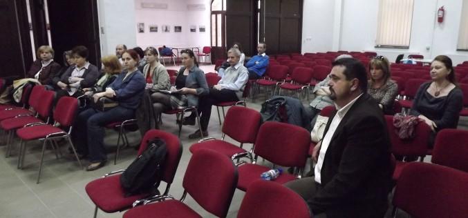 Arad oktatási stratégiája: a pedagógusok messze elkerülték [VIDEÓ]