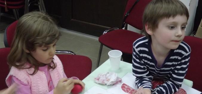 Húsvéti gyermekzsongás a Csikyben [VIDEÓ]