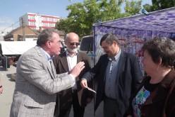 Winkler összefutott EP-kollégájával a kisjenői piacon