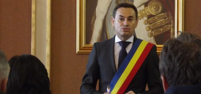 Kampányvirtus: az oktatási miniszter nem akart találkozni a polgármesterrel