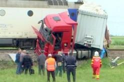 Teherautó ütközött vonattal Nadabnál