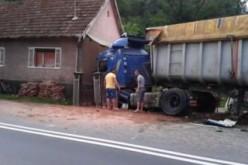 Kétszeres kamioncsapás ugyanazon a házon