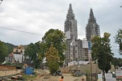 Hétfőn szentelik Máriaradnán az új kereszteket