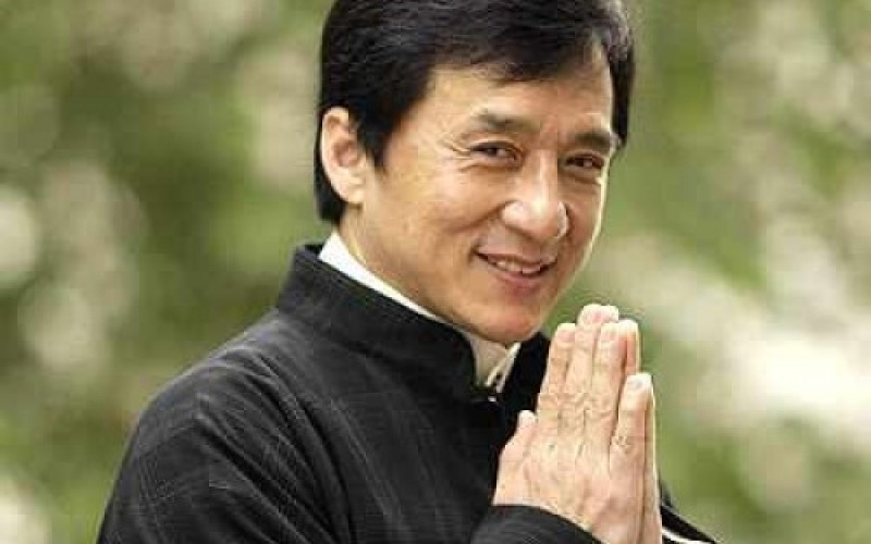 Jackie Chan nem jön Aradra