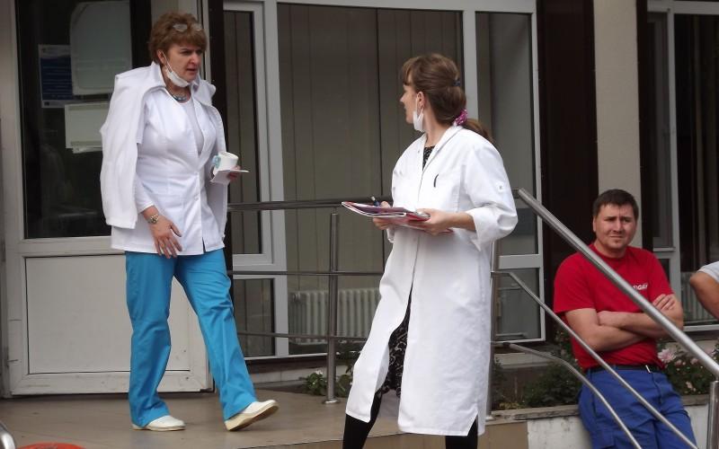 Kórházbukta: visszahúzzák a melléképületek