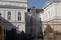 Félmillióból megújul a Városháza hátsó udvara