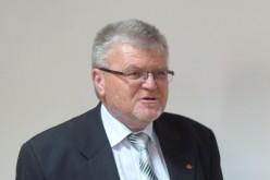 Sipos György Ezüstfenyő-díjat kap