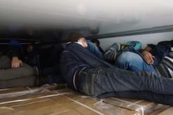 36 szír menekült egy kamionba zsúfolva