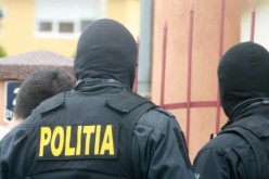Házkutatások, 90 letartóztatási parancs