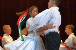 Farsangi előadás Pécskán