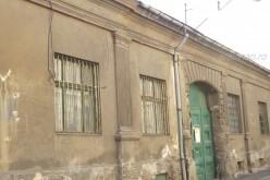 Lebontanak egy régi házat a történelmi belvárosban