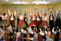 A '48-as hősök emlékére táncoltak