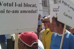 Ponta- és kormányellenes tüntetés Aradon
