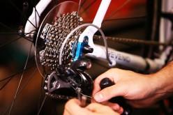Ingyenes bringajavítás a Szabadság-téren
