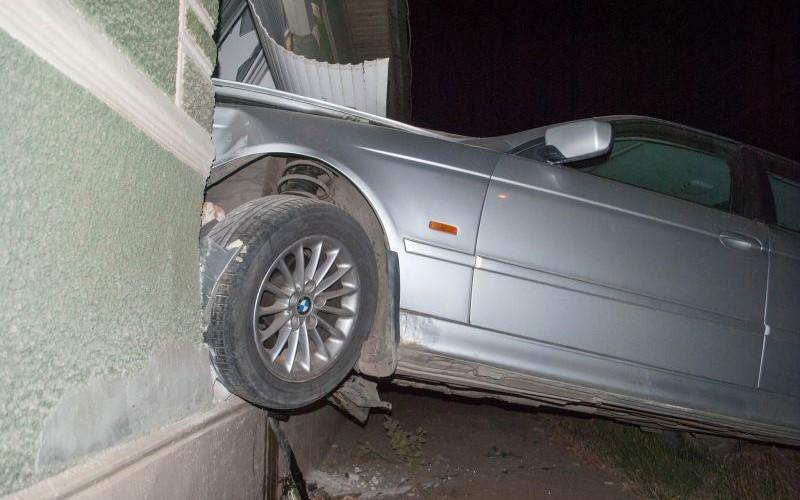Ittasan, BMW-vel a gyerekszobába