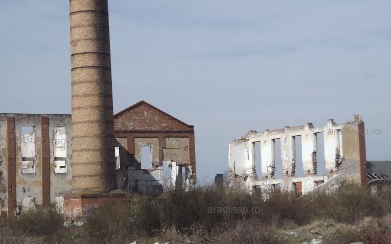 Lebontották a régi cukorgyár kéményét
