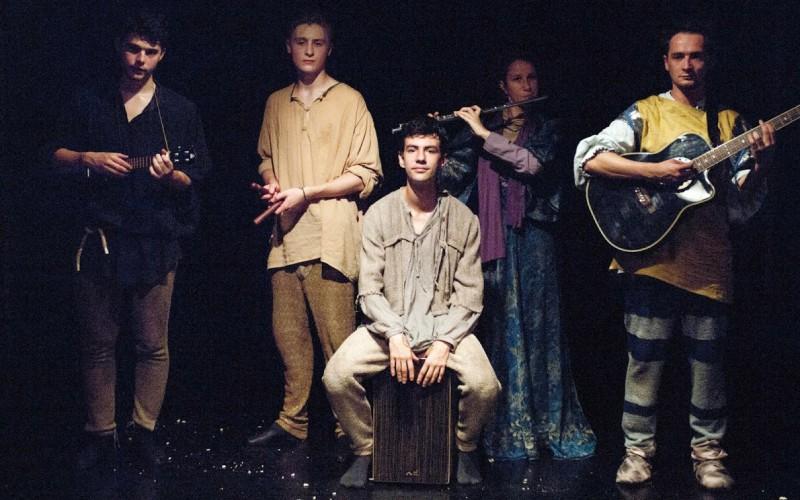 Zenés Toldit mutat be a pécsi Janus Egyetemi Színház