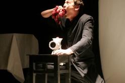 Az Aradi Kamaraszínház két előadása nyitja a győri Menház Színpad idei évadát