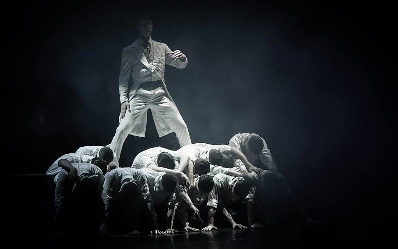 Aradon, Kolozsváron, Budapesten és Temesváron az aradi tizenhárom vértanúról szóló táncjáték