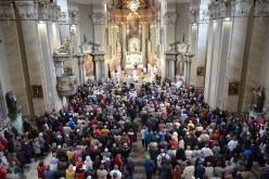 A Daily Telegraph egymillió lejt húzott ki a radnai templom alól
