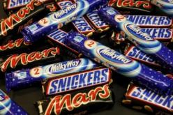 Harminc tonna Mars, Snickers és Bounty csokiszeletet vonnak ki Romániából