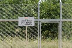 Aradhoz érkezett a magyar drótkerítés építésének előkészülete