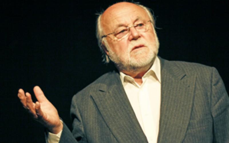 Haumann Péter az Aradi Kamaraszínházban