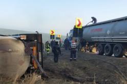 Üzemanyaggal teli tartálykocsi borult fel a 79-esen