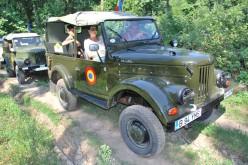 Fiatalabb veterán autók a Szabadság-téren