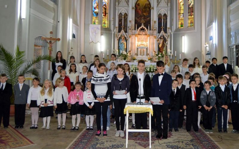 Együtt imádkoztak az édesanyákért Pécskán