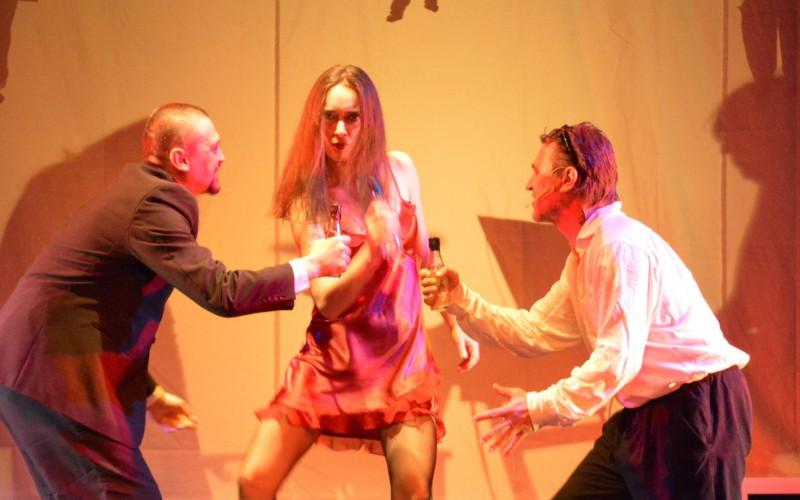 Aradi Kamaraszínház : hatalmas sikert aratott a Tündéri