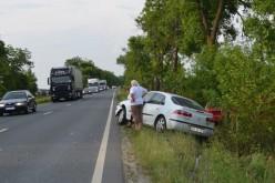 Két autót golyózott ki