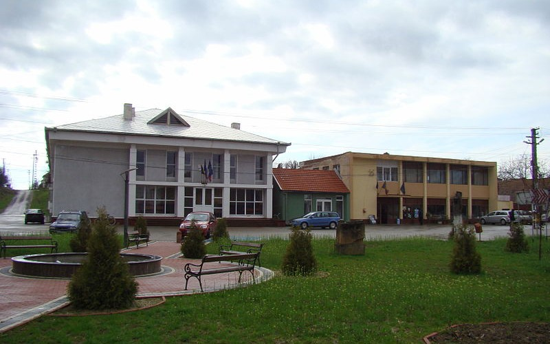 Aszfaltálmok a megyei tanácsnál: Arad-Világos-Pankota-Buttyin