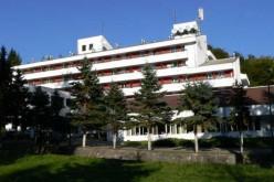 Az ex-politikus, most szállodás megelégszik 3,75 millió euróval