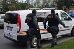 Két rendőr biztosította a migránsok nyugalmát
