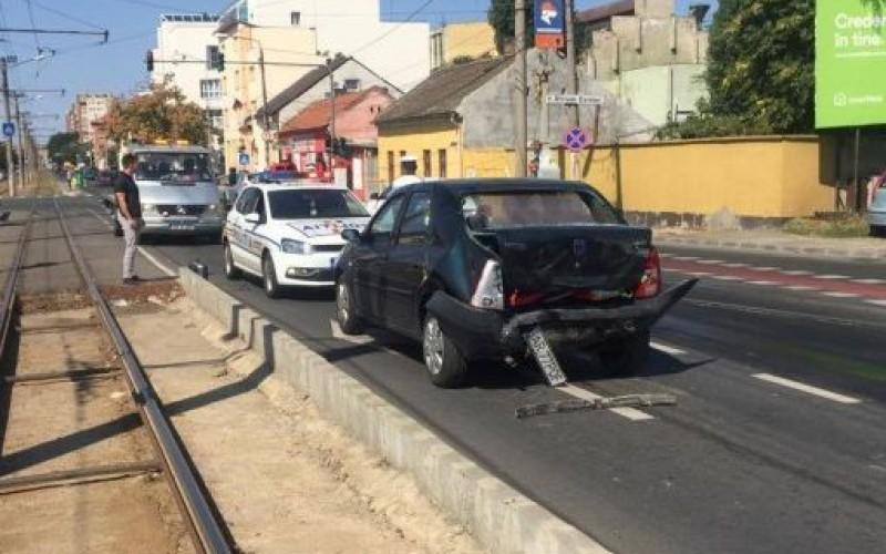 Baleset a mikelakai felüljárón: rosszul lett vezetés közben