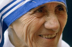 Szentté avatták Teréz anyát