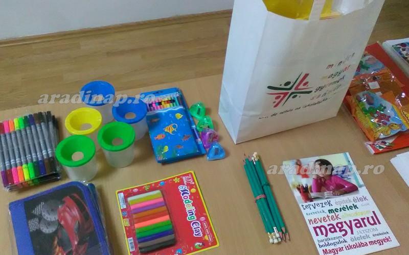 RMDSZ-ajándékcsomag az előkészítő osztályosoknak