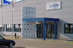 Késsel szúrták meg a Leoni igazgatóját