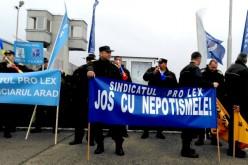 Tüntetés az aradi börtönnél