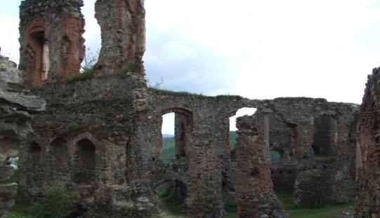 Rohamöröm: a megyei tanács bevett két várat