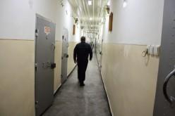 Felkötötte magát a börtön egyik fürdőszobájában