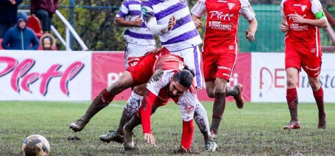 Mocsár-foci megoldva: kirúgták a főnököt