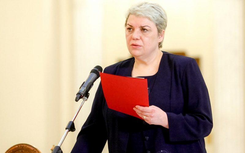 Belpolitika válság körvonalazódik: Iohannis még elmélkedik
