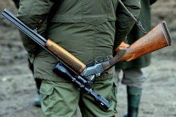 Orvvadászok szándékosan rálőttek a vadőrre