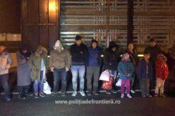 Tizenkilenc migránst találtak a kamionban