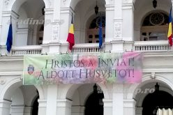 Húsvéti üdvözlet magyarul az aradi Városházán