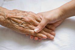 Kapaszkodjanak: egy aradi nyugdíjasnak 6447 évre szeletelték az adósságát