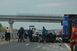 A cigányok a baleset után a tévéseket ütötték